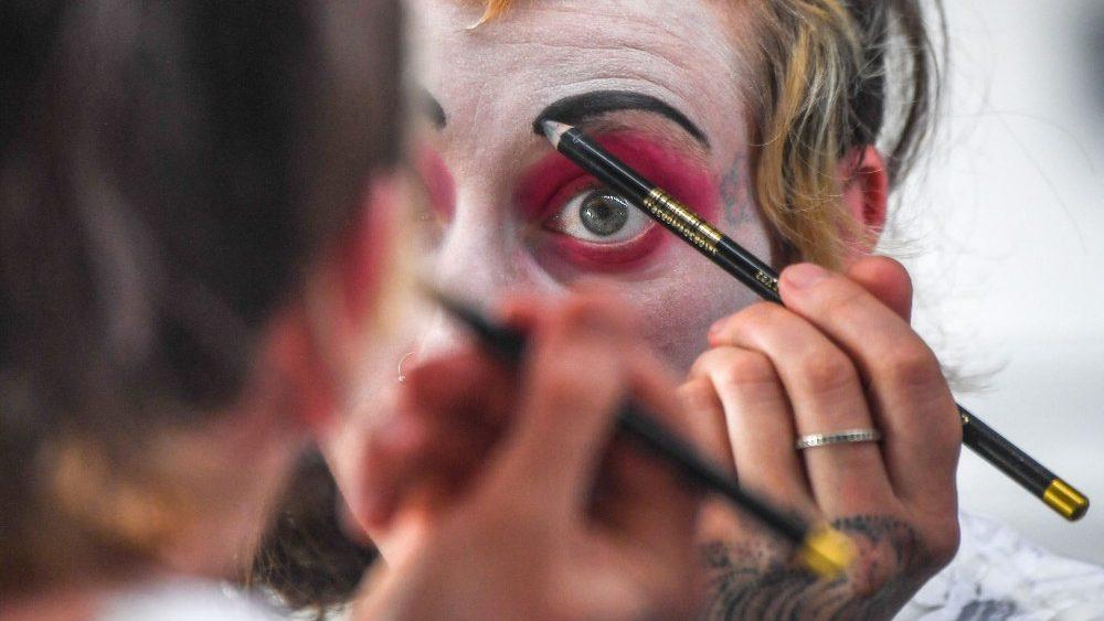 Turkson ai circensi: riportate la gioia a grandi e piccoli con la vostra arte
