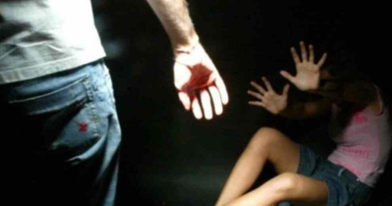 Catania: donna rifiuta un rapporto sessuale, violentata dal compagno in presenza del figlio