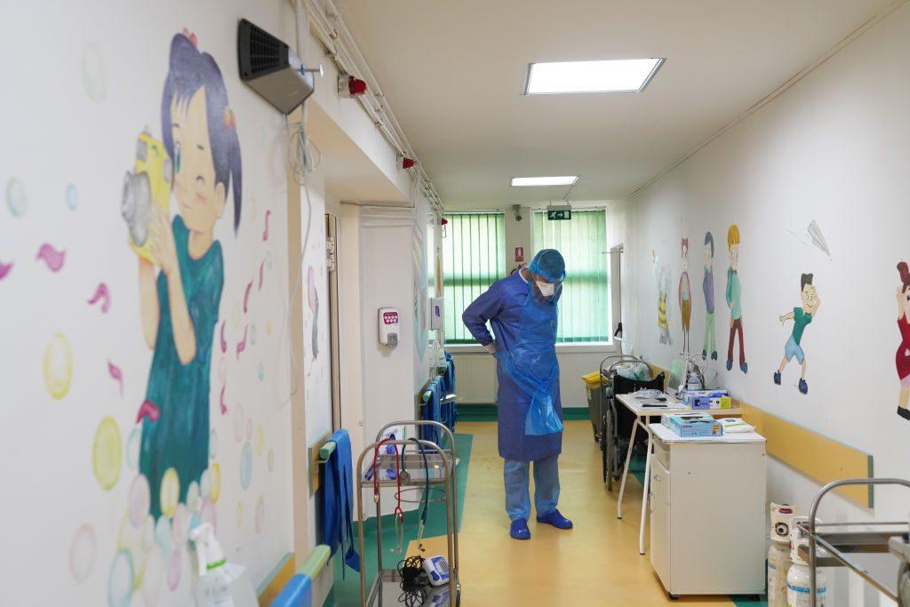 Palermo: bimba di 11 anni affetta da malattia rara morta con variante Delta