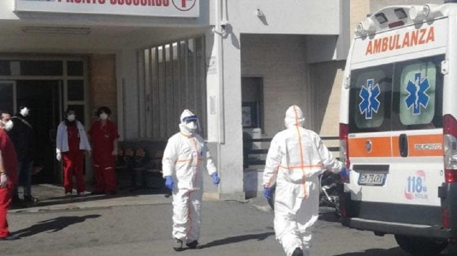 Palermo: donna di 89 anni rimane per 10 ore in ambulanza in attesa dell'esito del tampone