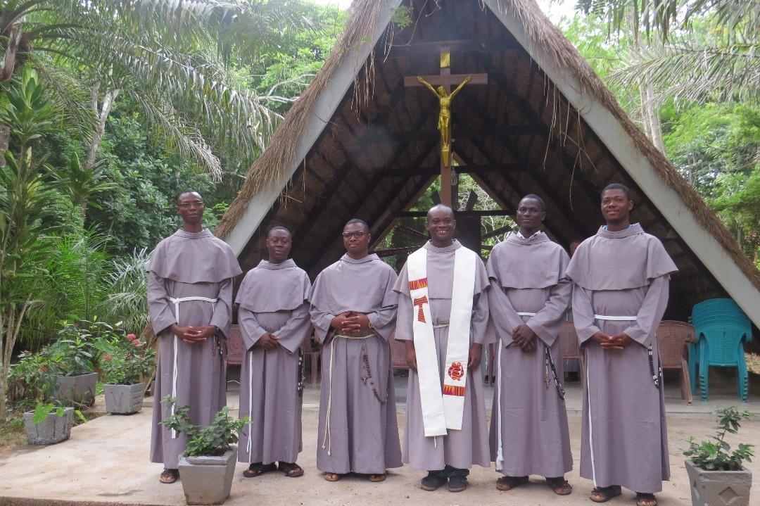Frati Minori Conventuali: 5 giovani iniziano il noviziato in Ghana