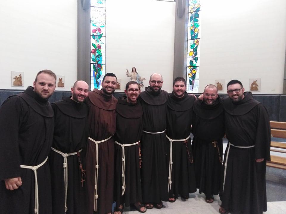 Otto Frati rinnovano la professione religiosa perchè la vita abbia il sapore di Cristo (foto)