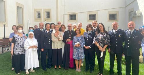 """Mons. La Placa visita i detenuti:""""Un raggio di sole anche nel carcere di Ragusa"""""""